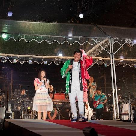いきものがかり、10周年記念ライブに明石家さんま乱入!
