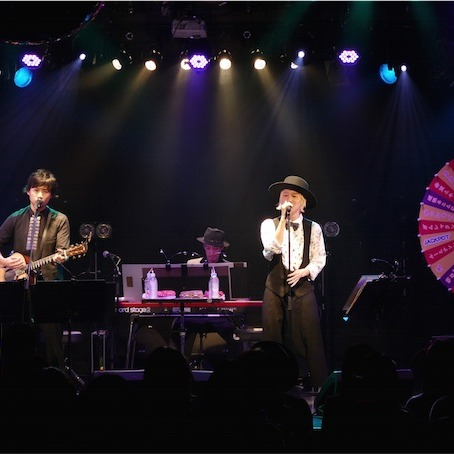 吉田山田、現在敢行中の「Over The Rainbowツアー」から仙台公演の模様を公開!
