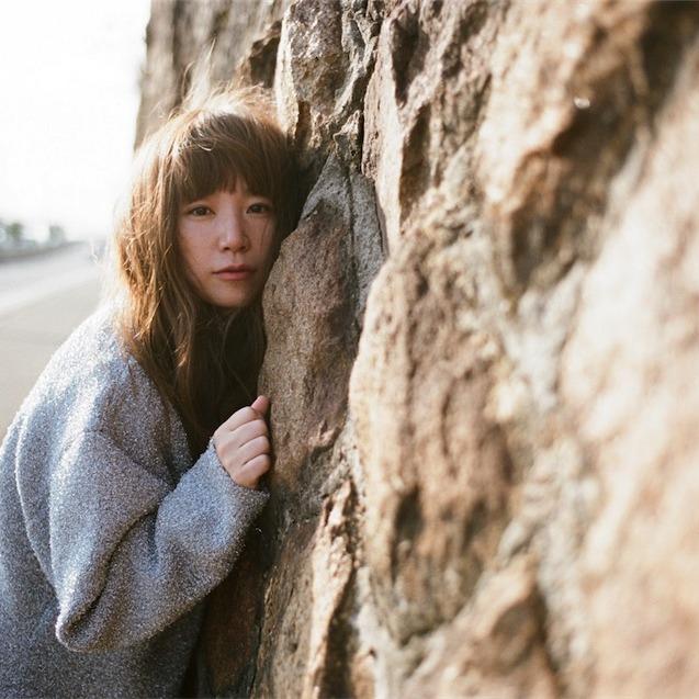 YUKI、ニューアルバム『まばたき』のアナログ盤とカセットテープがリリース!