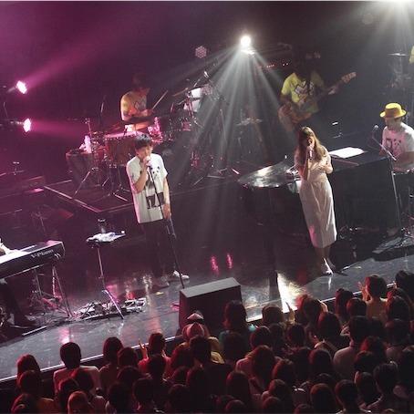 スキマスイッチ、人気劇伴作家・澤野弘之のタイバンライブにAimerがサプライズゲスト出演!