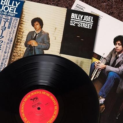 ビリー・ジョエル『ニューヨーク52番街』自社一貫生産アナログレコードの制作秘話とプレス工程の動画を公開!