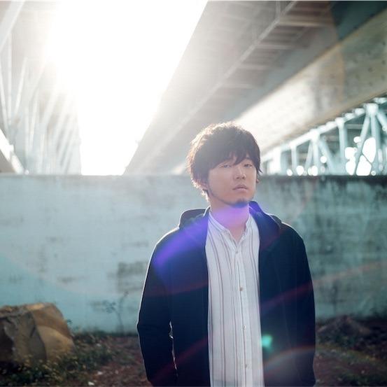 秦 基博、新曲「花」起用のCM新バージョンが本日よりオンエアスタート!最新アーティスト写真も公開!