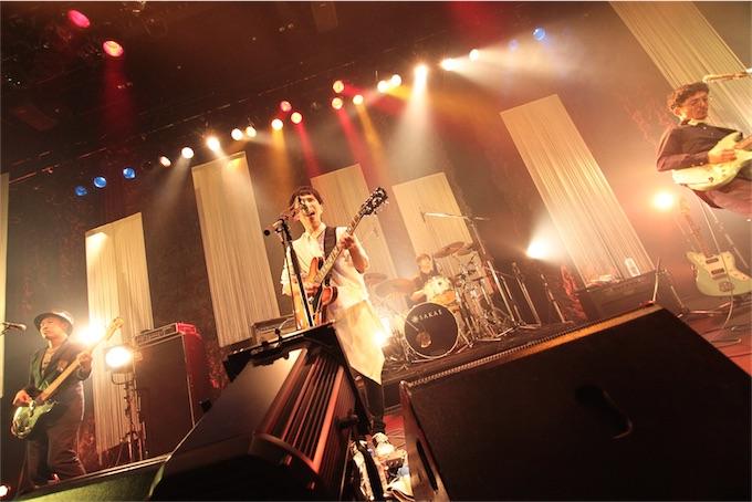UNCHAIN、豪華なゲストに囲まれた20周年記念ライブ開催!