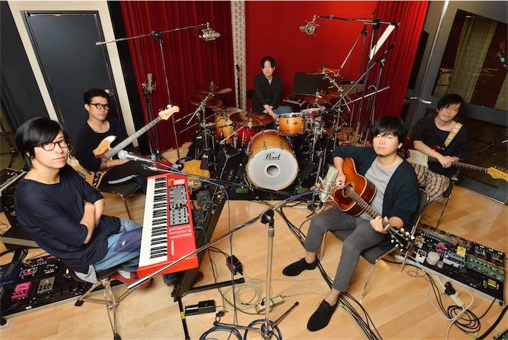ストレイテナー × 秦 基博、コラボシングル「灯り」11月15日にリリース決定!