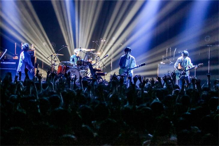 ストレイテナー、秋ツアー2日目東京公演にて秦 基博カバー「鱗(うろこ)」披露!