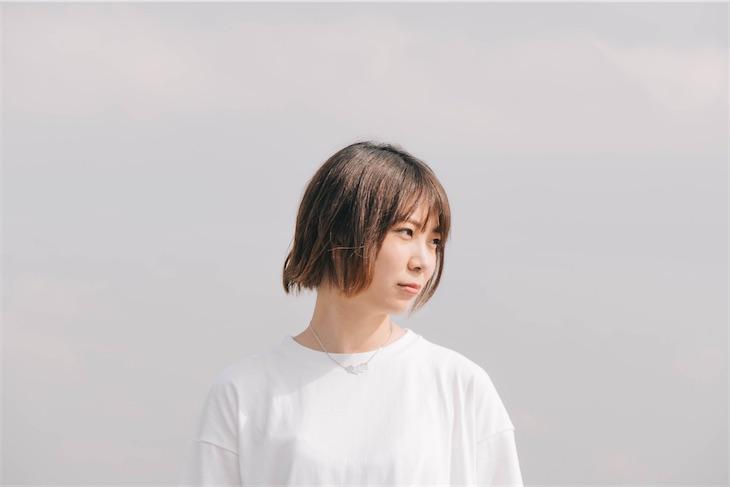 山崎あおい、ニューアルバム「FLAT」から 第3弾先行配信シングル「アイソレイト」リリース&MV公開!