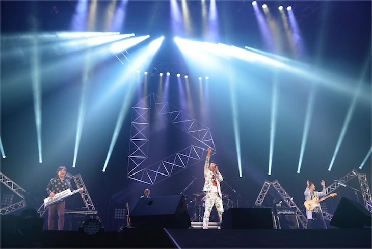 DEEN、25周年の日本武道館公演で怒涛の40曲を披露!涙と歓声に包まれた大感動のステージが早くも映像化!