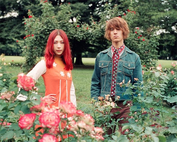 GLIM SPANKY 松尾レミがキャロル・キング「I Feel The Earth Move」を歌唱した花王『ビオレu 潤い美肌』CMスタート!