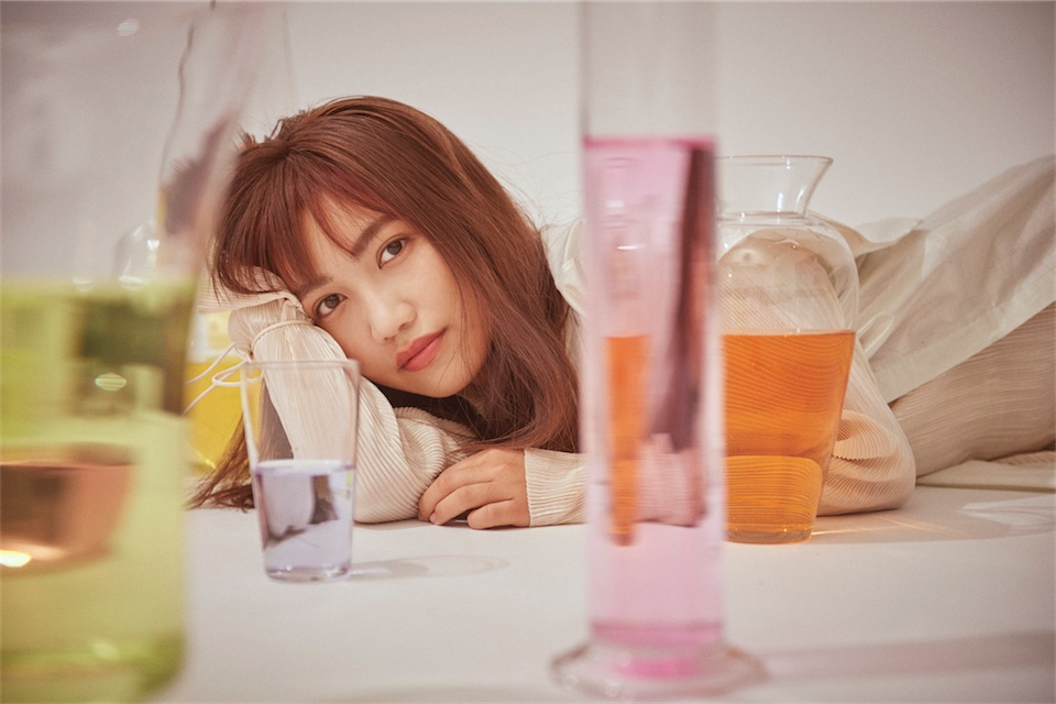 井上苑子、新曲「コトノハノオモイ」がアニメ「川柳少女」オープニングテーマに決定!
