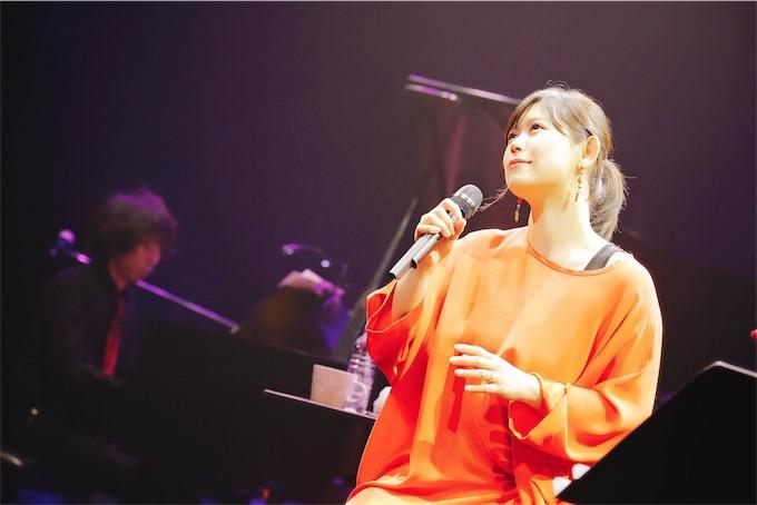 絢香、新曲「コトノハ」初披露!全国ツアー開催を発表!