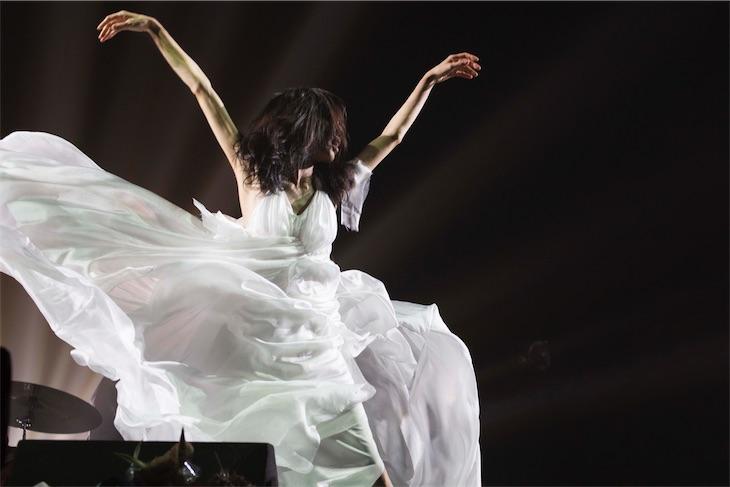 Cocco、20周年記念武道館ライブ2daysを映像作品&初のLIVE ALでリリース決定!