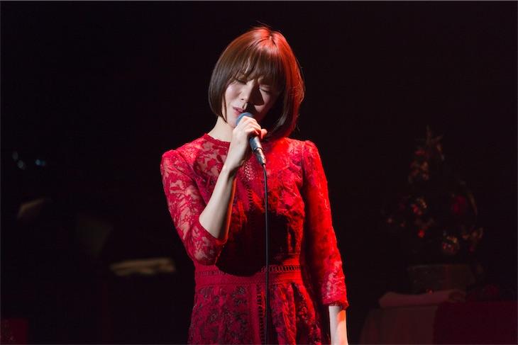 半崎美子、心震わす歌声で900名の観客に感動のクリスマスライブをプレゼント!