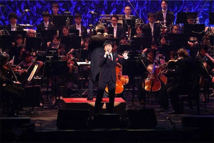 森山直太朗、初のオーケストラをバックに新曲「人間の森」を披露!