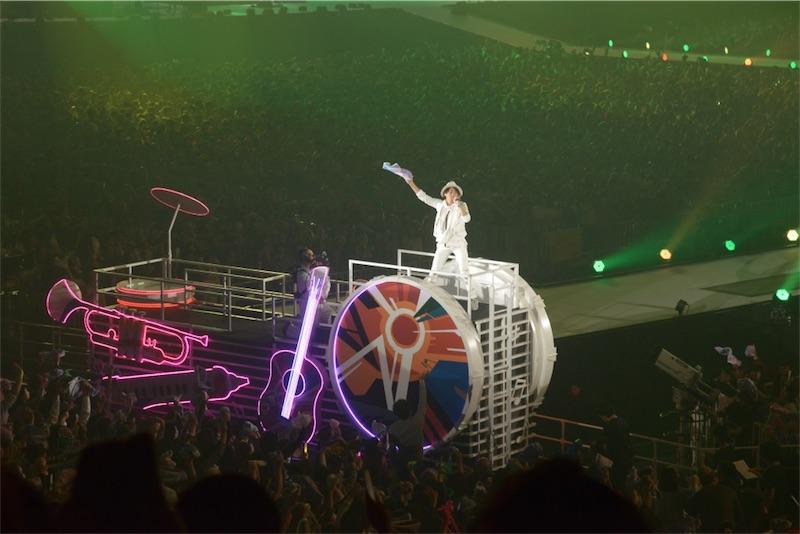 ライブで歌うナオト・インティライミ(特別ステージ)
