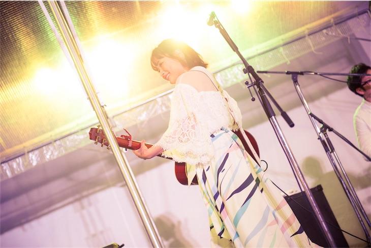 大原櫻子、ニューシングル発売記念1年振りのアコースティック・フリーライブでファンと大合唱!