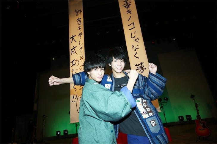 """さくらしめじ、""""忘年会""""を開催!2月26日カレンダー発売決定!"""