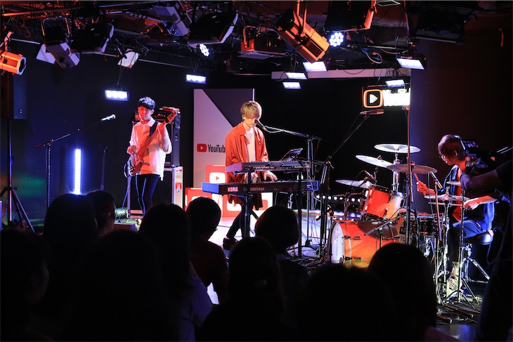 WEAVER『WEAVING ROOM~Festival of WEAVER~ from YouTube Space Tokyo』 Official Live Report