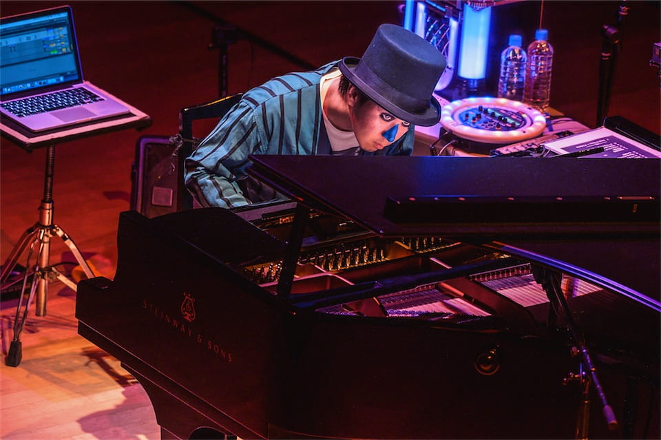 H ZETT M、ピアノ独演会超満員!ユーモアと超技巧で圧巻のステージ!