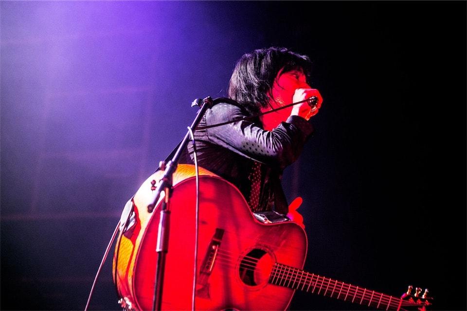 宮本浩次、ギター1本での衝動!「ソロ初ライヴ!宮本、弾き語り」オフィシャル・ライブレポート