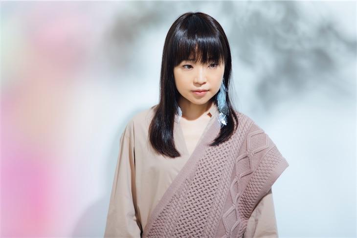 川嶋あい、身近な人への感謝の気持ちを想い起こさせてくれる恋歌『Home』MV公開!