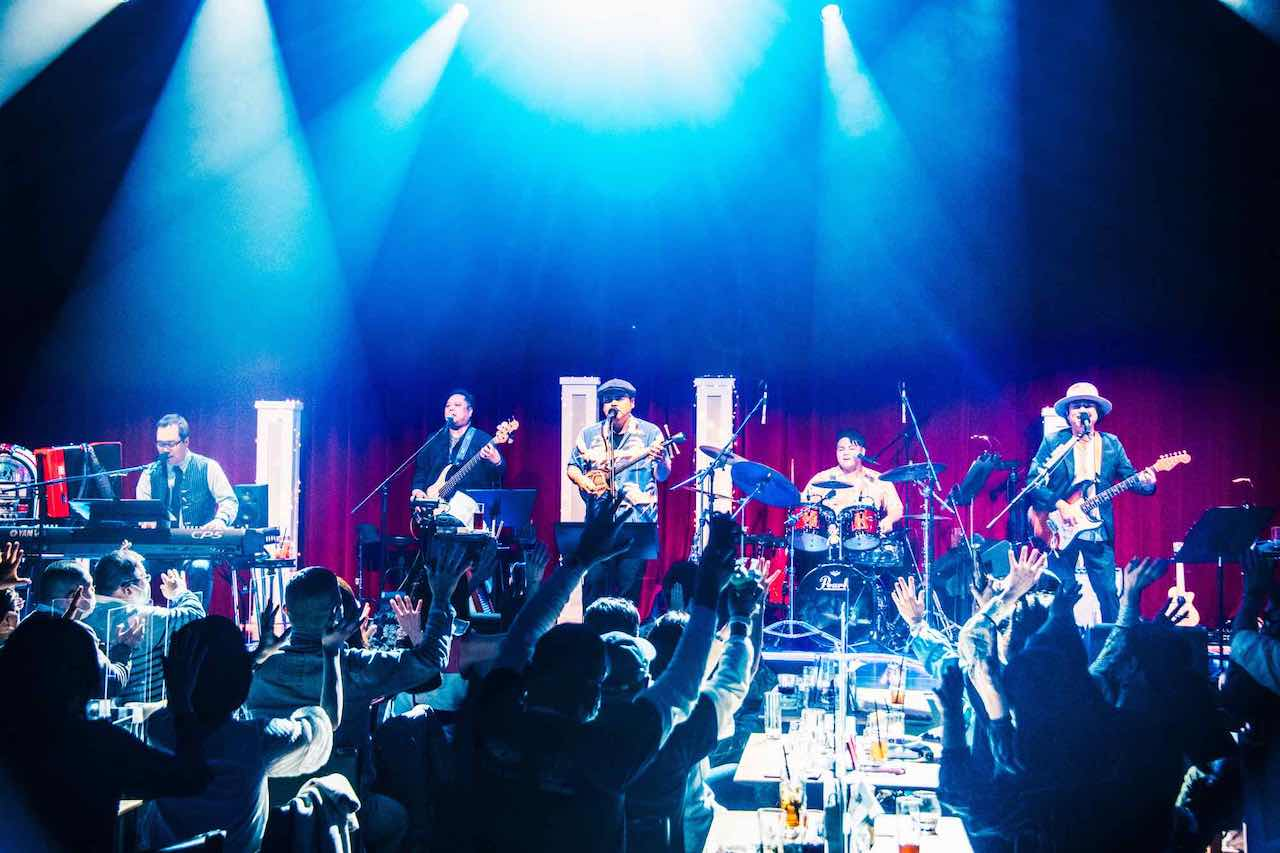 BEGIN、記念すべきデビュー日に行ったライブでファンへ30周年の感謝を伝える
