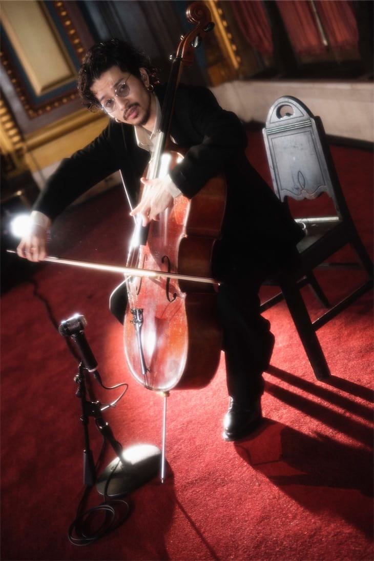 常田大希、ニューヨークで開催されたN.HOOLYWOOD COMPILE FALL 2020 COLLECTIONにてチェロを生演奏!