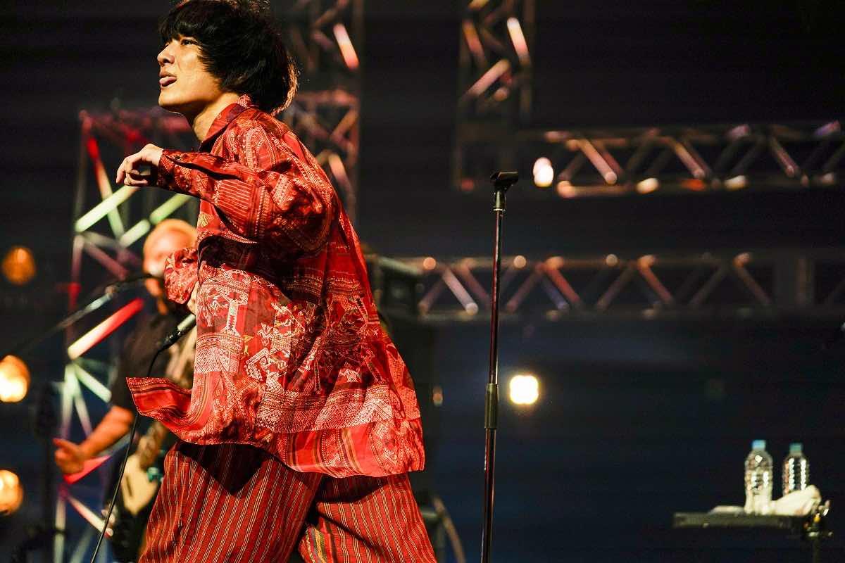 石崎ひゅーい、1年ぶりの有観客ワンマンLIVE「世界中が敵だらけの今夜に」クリスマスの夜に緊急開催決定!