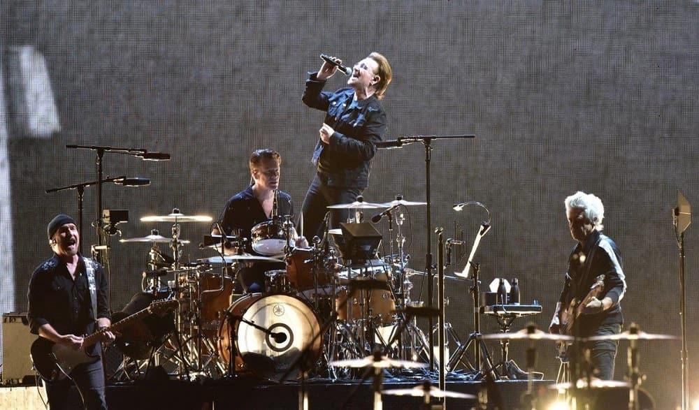 U2、13年ぶりの来日公演で名作『ヨシュア・トゥリー』を完全再現!