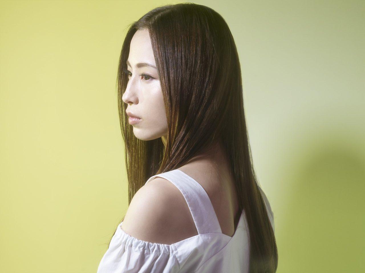 Uru、ニューシングル「ファーストラヴ」収録「ドライフラワー」カバーのオフィシャルオーディオを公開!