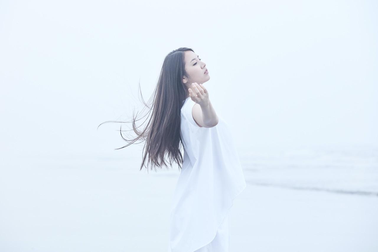 阿部真央、SIA「Alive」のカバーを配信スタート!初のカバーアルバムのリリースを発表!
