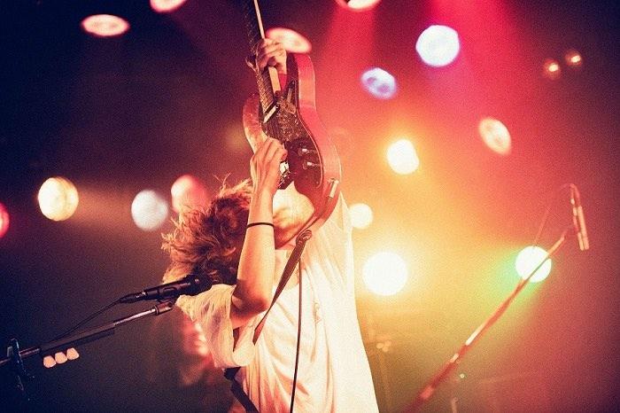 秋山黄色、初の全国ツアー完走!「ツアーの最後にここで歌えてすごくありがたいです」