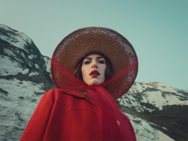 オルダス・ハーディング、最新アルバム『Designer』から新曲「Fixture Picture」のMVを公開!