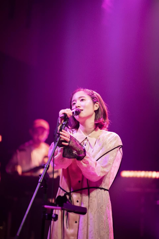 杏沙子、ファン投票による曲を集めた配信ワンマンライブを開催!1位は話題沸騰中「見る目ないなぁ」