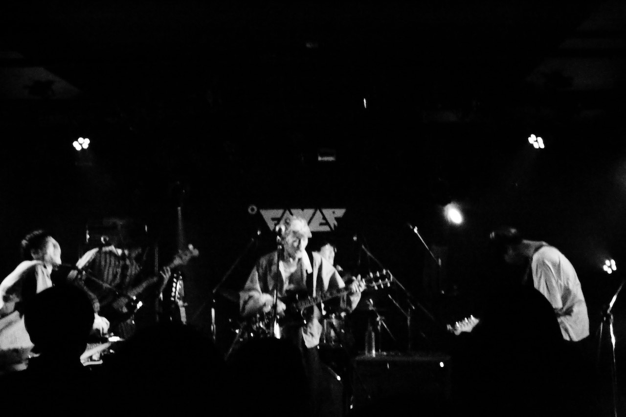 betcover!!、踊ってばかりの国、音楽に愛された2バンドによるライブ熱く儚く終了!