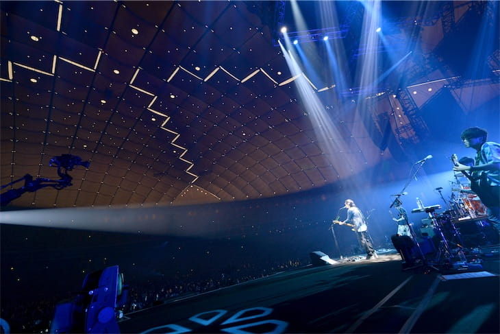 """back number、初のドームツアー """"stay with you"""" 東京ドーム公演ライブレポート"""