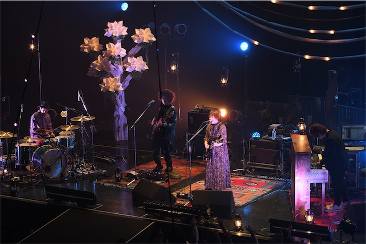FLOWER FLOWER、全国ツアースタート!新曲「蜜」を初披露!