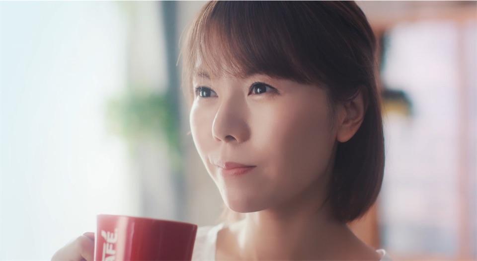 半崎美子、全国CM初出演!爽やかな母役を好演!