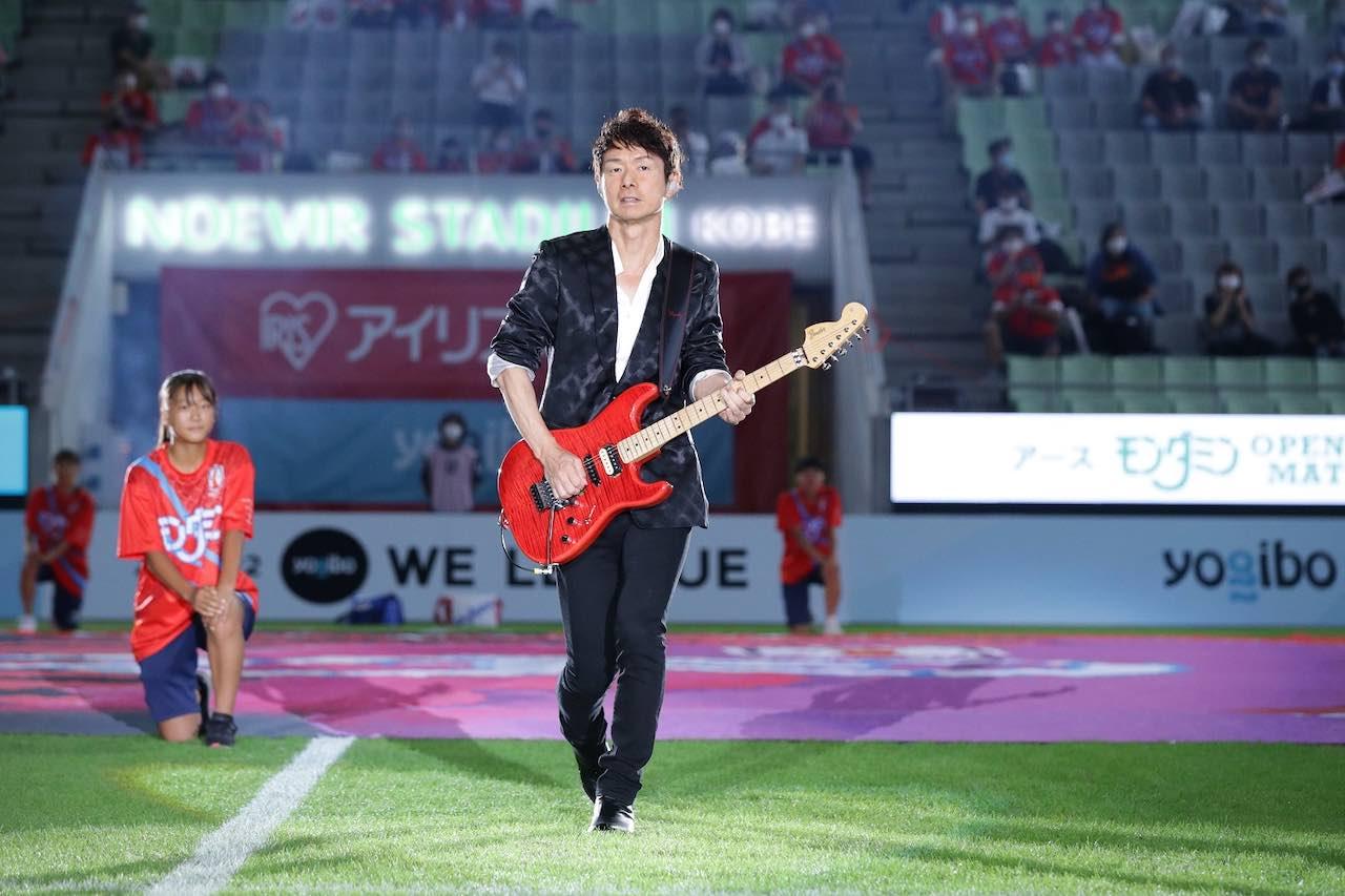 日本初の女子プロサッカーリーグ「WEリーグ」開幕戦セレモニーにTUBE 春畑道哉が登場!公式アンセム「WE PROMISE」を披露!