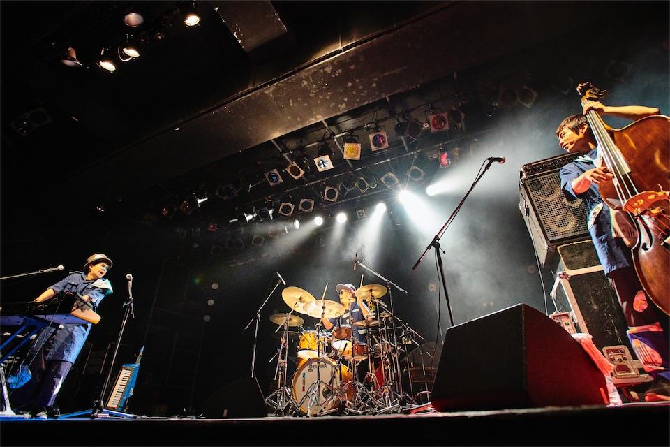 H ZETTRIO、新作アルバムのオリジナルアプリ配信決定!リキッドワンマンで新曲初披露!
