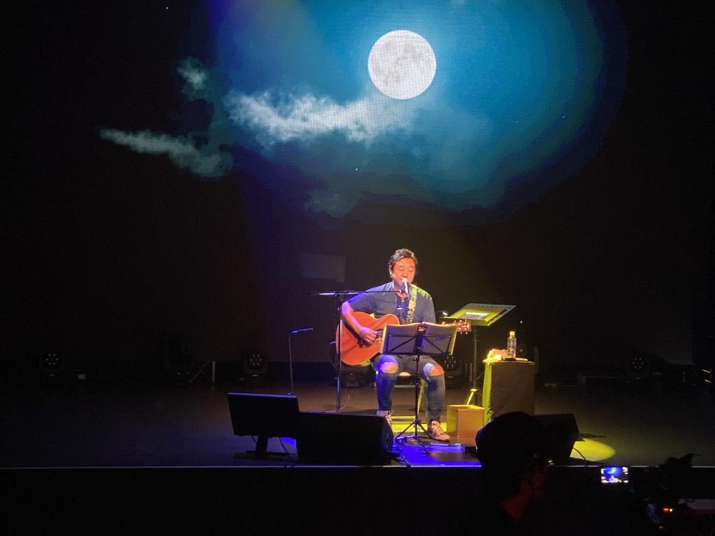 杉山清貴、初の無観客ワンマンライブを開催!新旧のヒット曲を交えたステージで魅了!