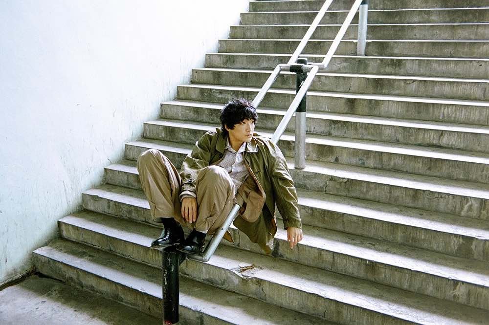 石崎ひゅーい、主題歌担当のドキュメンタリー映画『私は白鳥』予告編公開!新曲「スワンソング」初解禁!