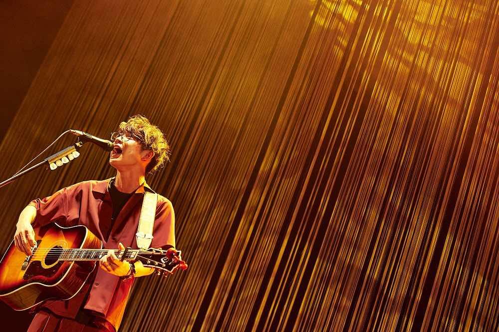 川崎鷹也、ギター1本で臨んだワンマンライブ!「皆さんから拍手をもらうと、全身が痺れるんです。」