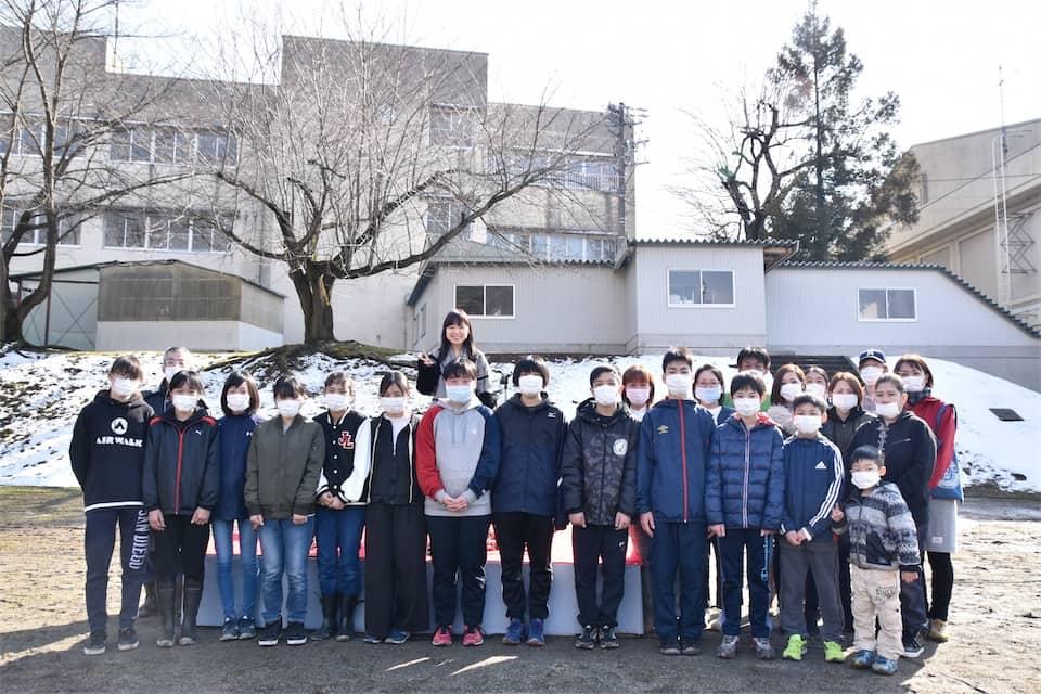 川嶋あい、毎年恒例の卒業式サプライズライブ実施!