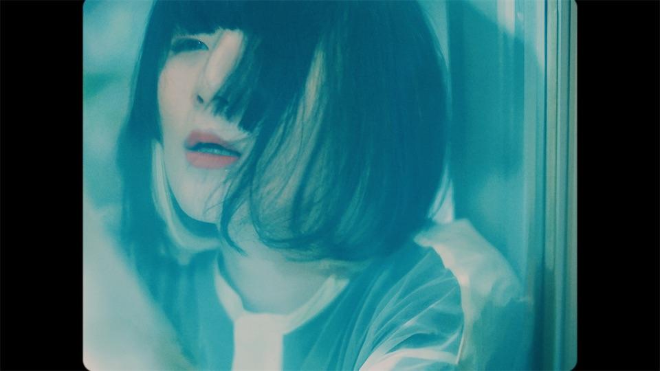 majiko、アルバム『寂しい人が一番偉いんだ』リード曲「エミリーと15の約束」のMVが公開!