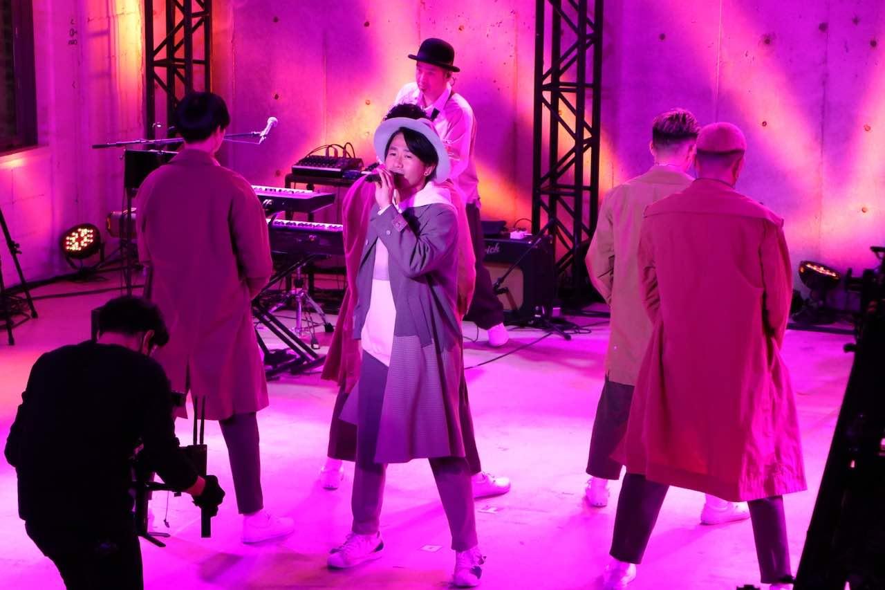 ナオト・インティライミ、全員最前列の生配信LIVEで大盛り上がり!