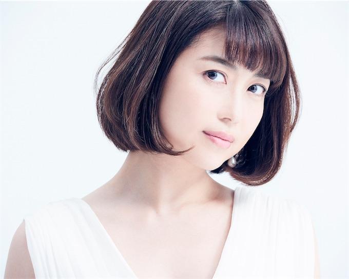 新妻聖子、さかいゆうプロデュースによる新曲「アライブ」のジャケットを解禁!