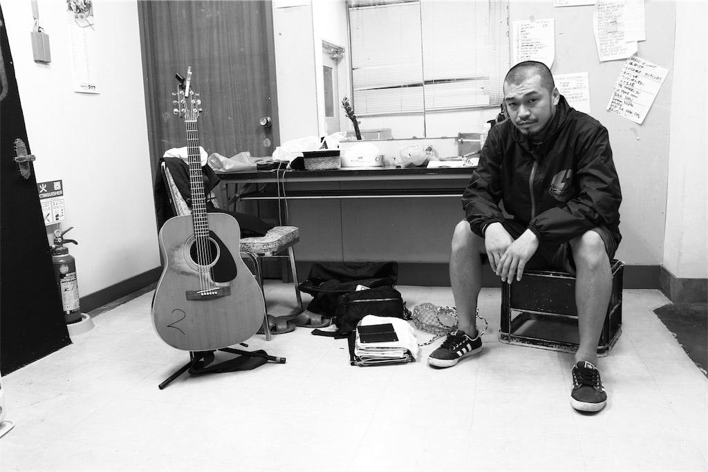 竹原ピストル、話題曲「あ。っという間はあるさ」ついに音源化!弾き語りライブツアー追加日程も発表!