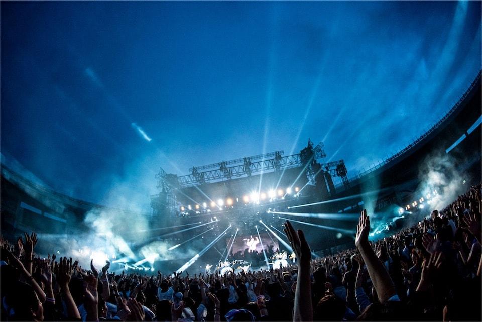 RADWIMPS、初のスタジアム単独公演に7万超のオーディエンスが熱狂!