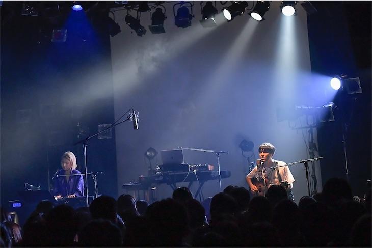 世武裕子、企画ライブに森山直太朗、御徒町凧を迎えセッション披露!