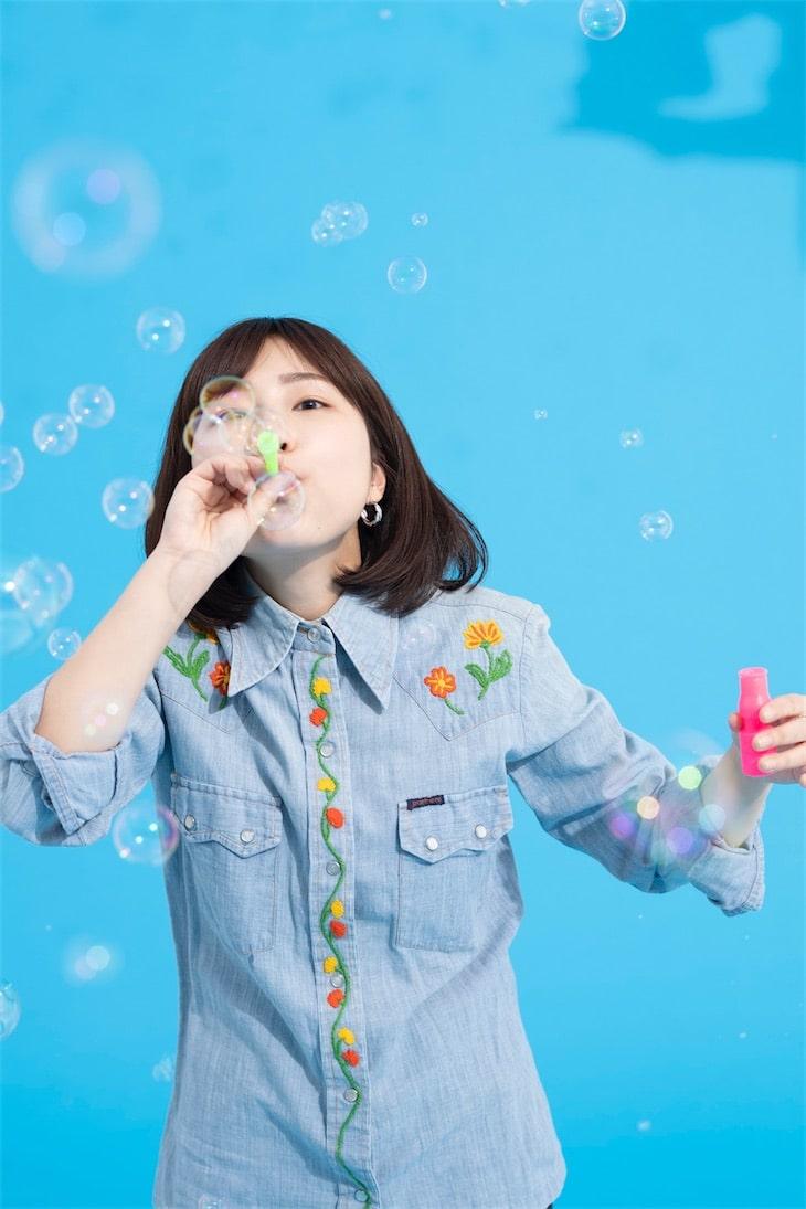 関取 花、メジャー2ndミニアルバムからリード曲「逃避行」を自身の番組で初オンエア!